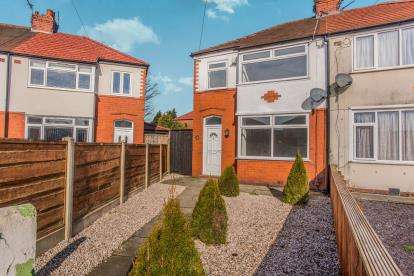 3 Bedrooms Semi Detached House for sale in Beech Road, Leyland, Lancashire
