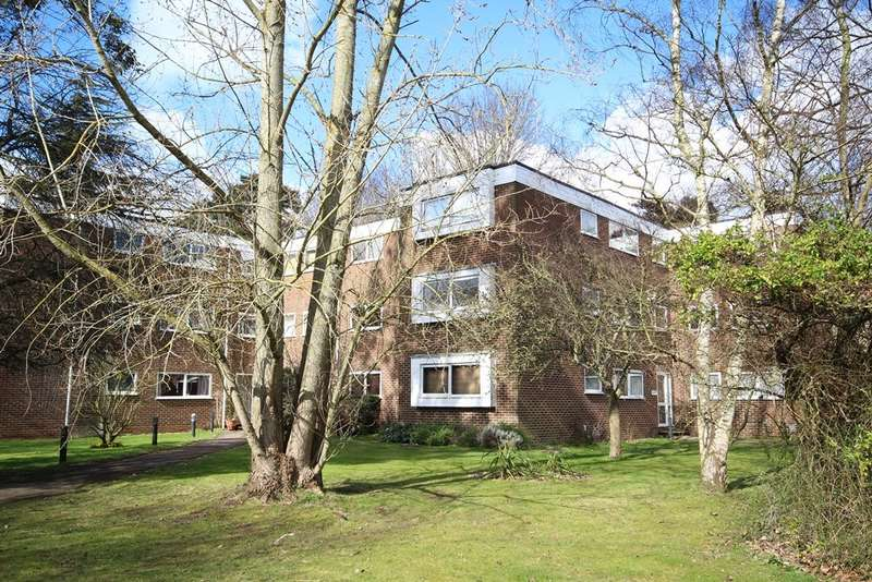 2 Bedrooms House for rent in Southlake Court, Woodley, Reading, RG5