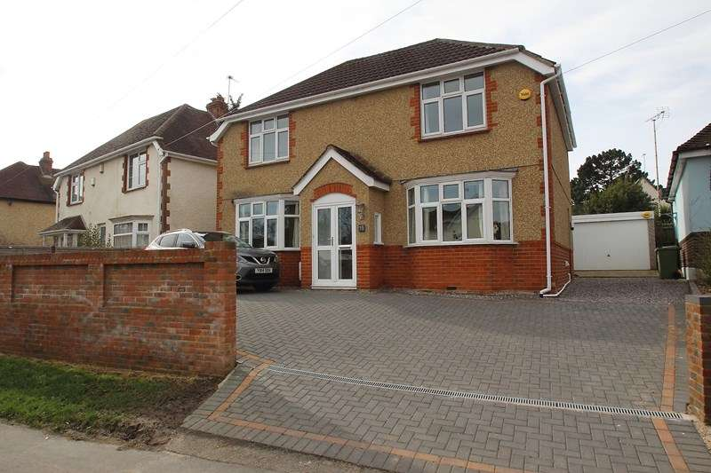 3 Bedrooms Detached House for sale in Gudge Heath Lane, Fareham