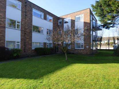 3 Bedrooms Flat for sale in Nicholas Road, Blundellsands, Liverpool, L23