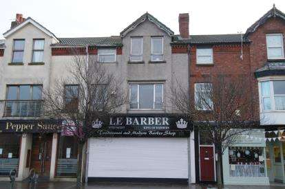 3 Bedrooms Flat for sale in Market Street, Hoylake, Wirral, CH47