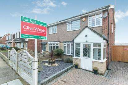 3 Bedrooms Semi Detached House for sale in Merlin Avenue, Upton, Wirral, CH49
