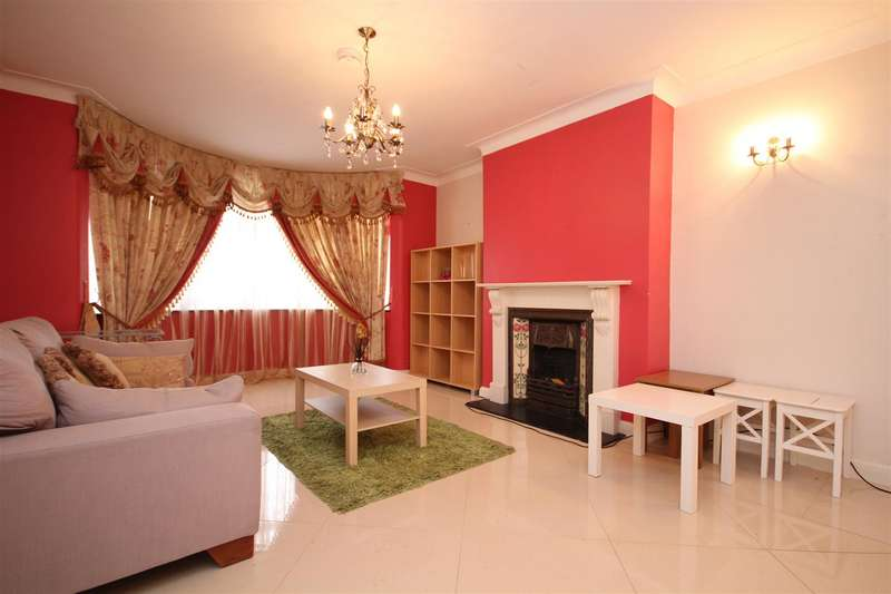4 Bedrooms House for rent in East Acton Lane, Acton W3 7EQ