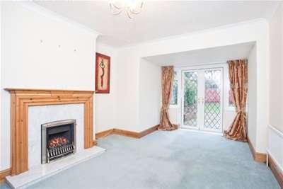 4 Bedrooms Semi Detached House for rent in Millfield Avenue, York, YO10