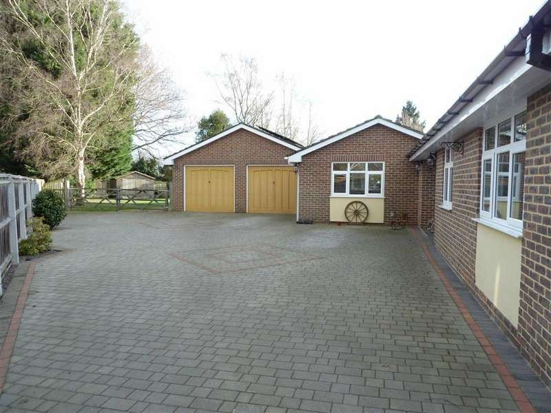 3 Bedrooms Detached Bungalow for sale in Wood Lane, Sonning Common, Sonning Common Reading