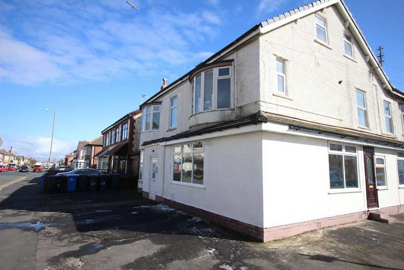 2 Bedrooms Flat for sale in Beach Road, Thornton-Cleveleys