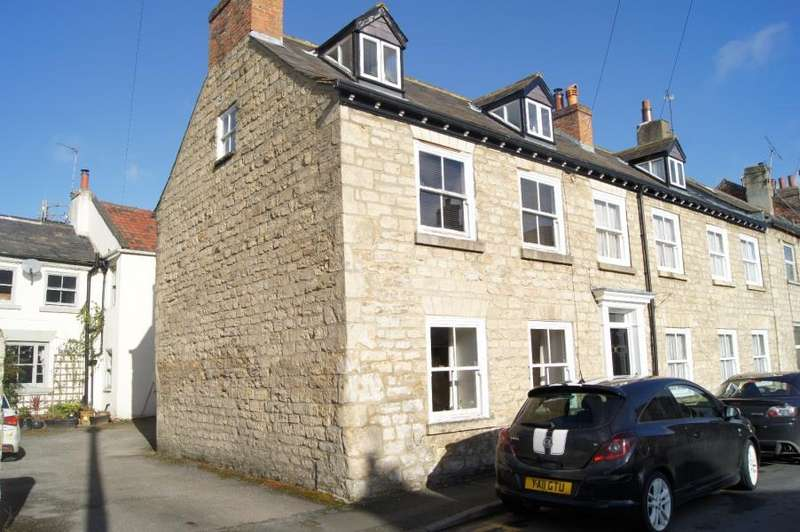 3 Bedrooms End Of Terrace House for rent in ILES LANE, KNARESBOROUGH, HG5 8DY