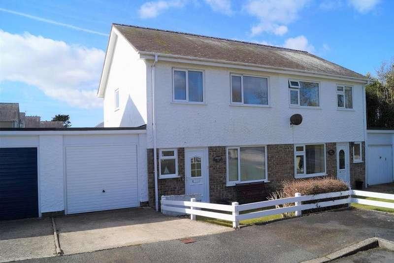 3 Bedrooms Semi Detached House for sale in Bro Cymerau, Pwllheli