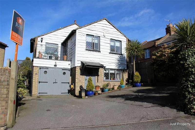 3 Bedrooms Detached House for sale in Fairlight Road, Hastings