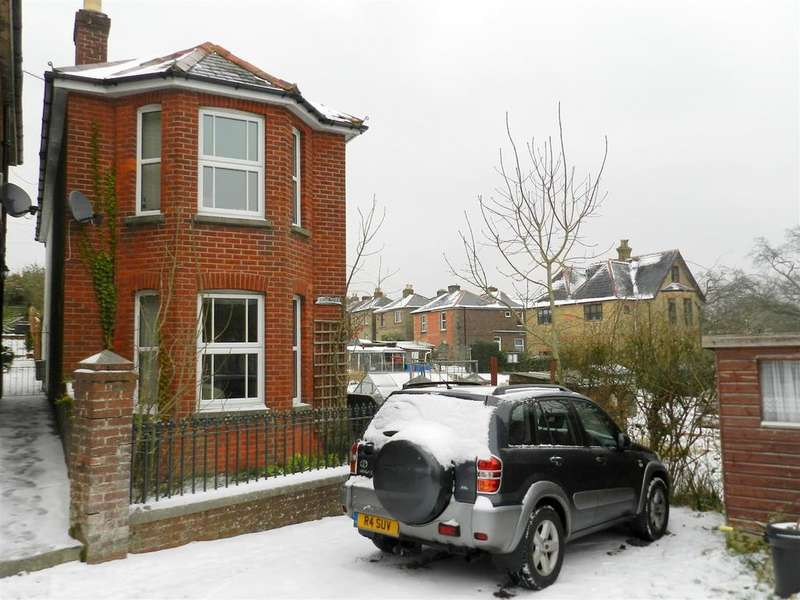 3 Bedrooms Detached House for sale in Lower Partlands, Ryde