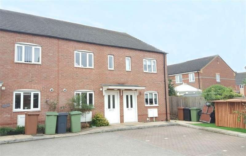 3 Bedrooms Town House for sale in Bowling Green Mews, Finedon, Northamptonshire