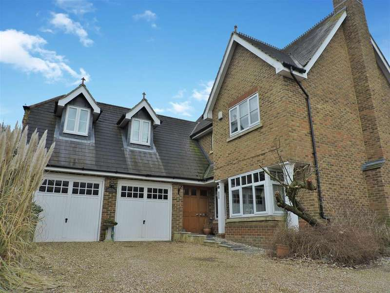 5 Bedrooms Detached House for sale in Pucknells Close, Swanley, BR8 7TH