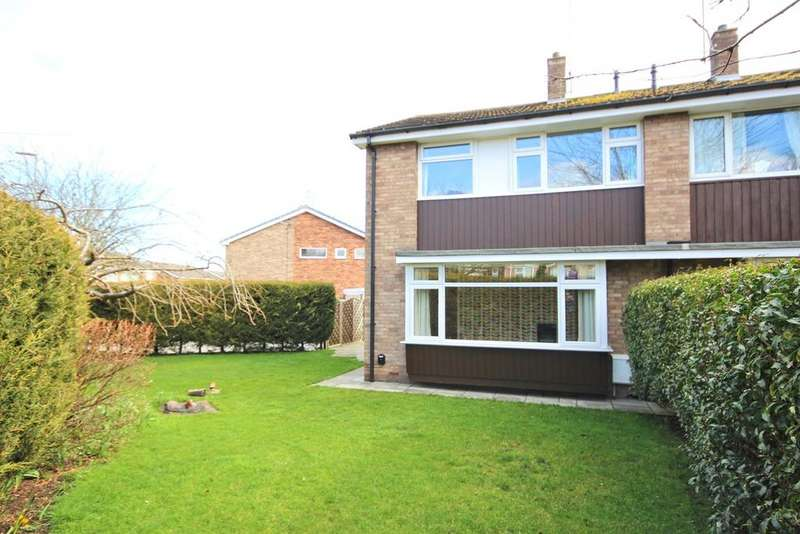 3 Bedrooms Semi Detached House for sale in Northfield Road, Beverley, HU17