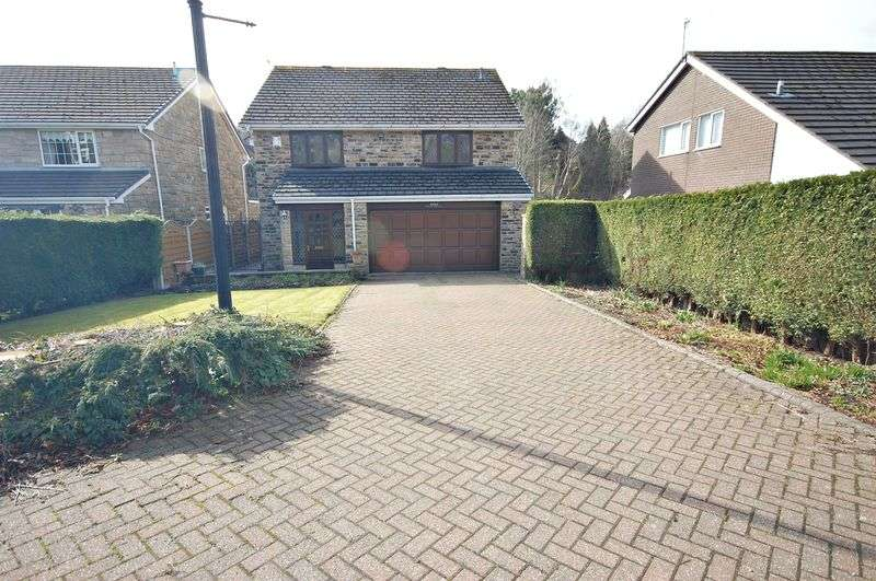 4 Bedrooms Property for sale in Primrose Lane, Glossop