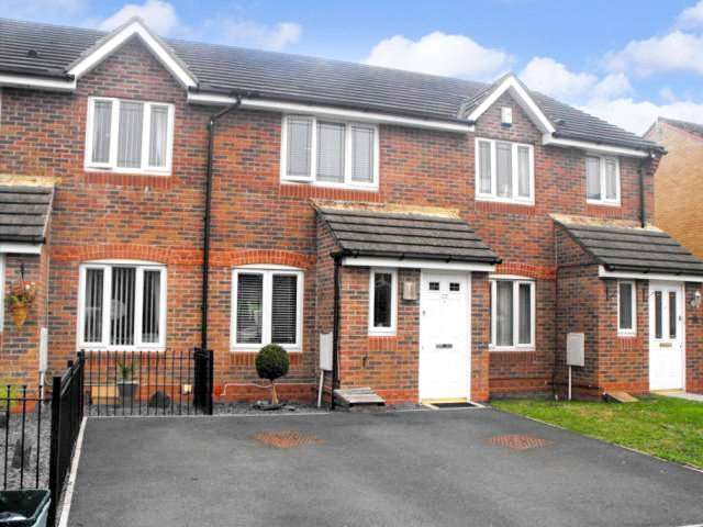 2 Bedrooms Property for sale in Orangery Walk Newport South Wales NP10