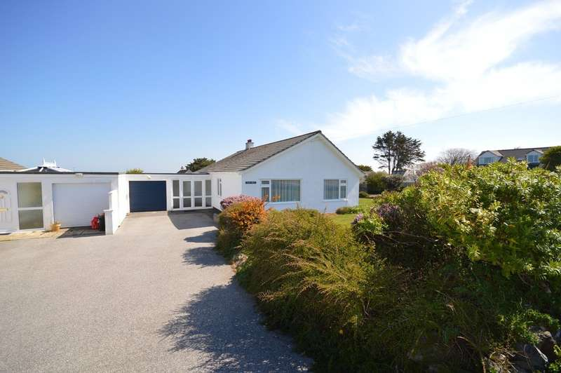 3 Bedrooms Detached Bungalow for rent in Trevaunance Close, St Agnes