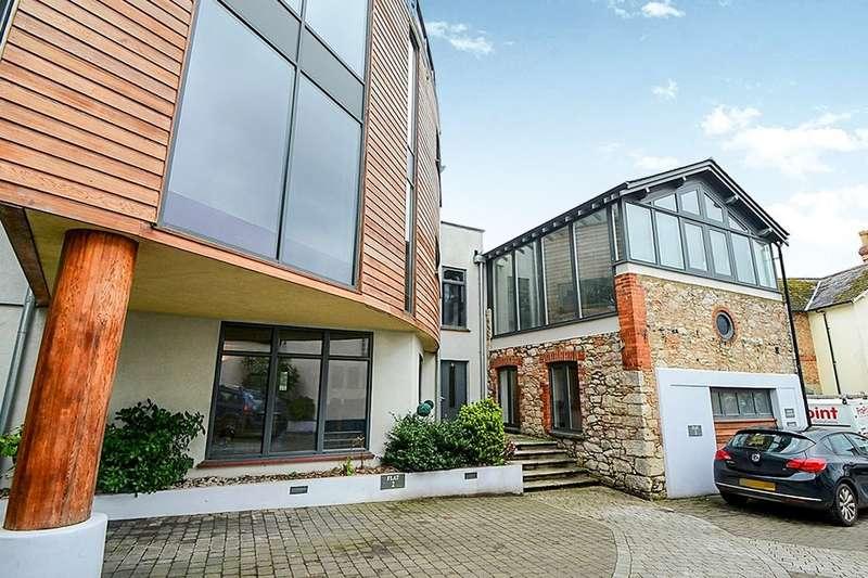 2 Bedrooms Flat for sale in Queen Street, Newton Abbot, TQ12