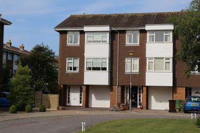 4 Bedrooms End Of Terrace House for sale in Pembroke Park, Old Portsmouth, Hampshire
