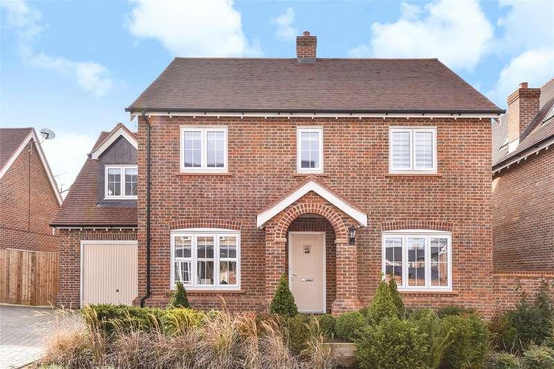 4 Bedrooms Detached House for sale in Buchanan Way, Binfield, Berkshire, RG42