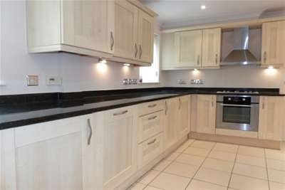 3 Bedrooms House for rent in Sandling Place, Maidstone
