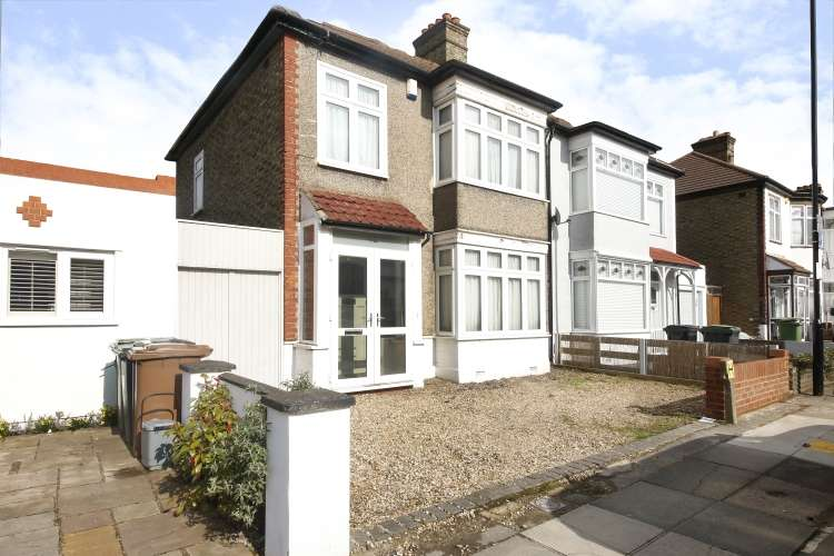 3 Bedrooms Semi Detached House for sale in Holme Lacey Road London SE12