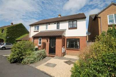 2 Bedrooms House for rent in Winsbury Way, Bradley Stoke, Bristol