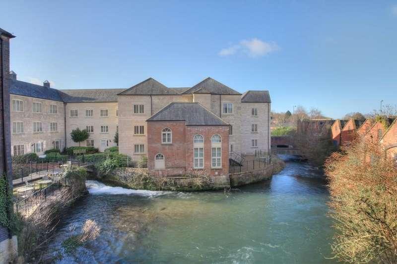 2 Bedrooms Apartment Flat for rent in Redlers Waterside, Stroud