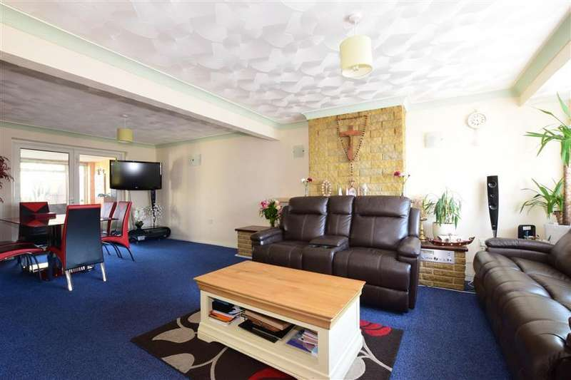 3 Bedrooms Semi Detached House for sale in Cunningham Road, Waterlooville, Hampshire