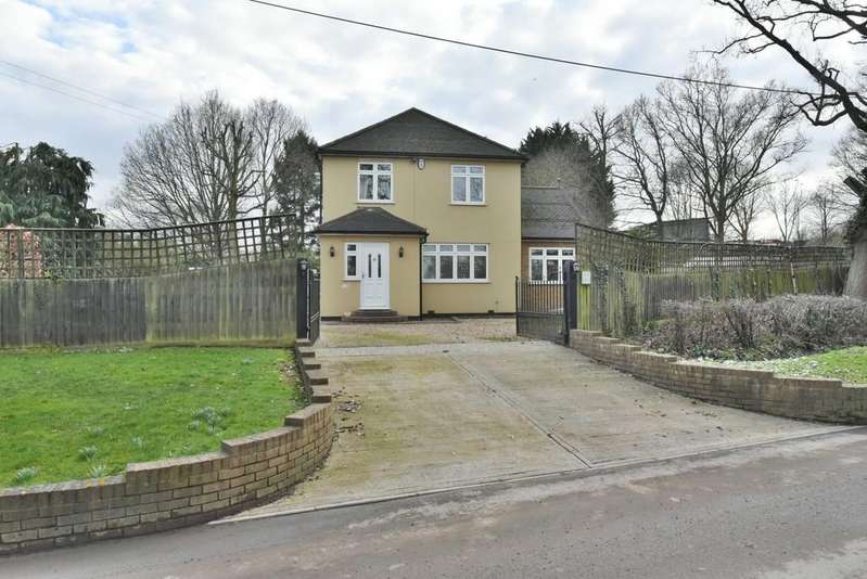 3 Bedrooms Detached House for sale in Wash Lane, South Mimms, Herts