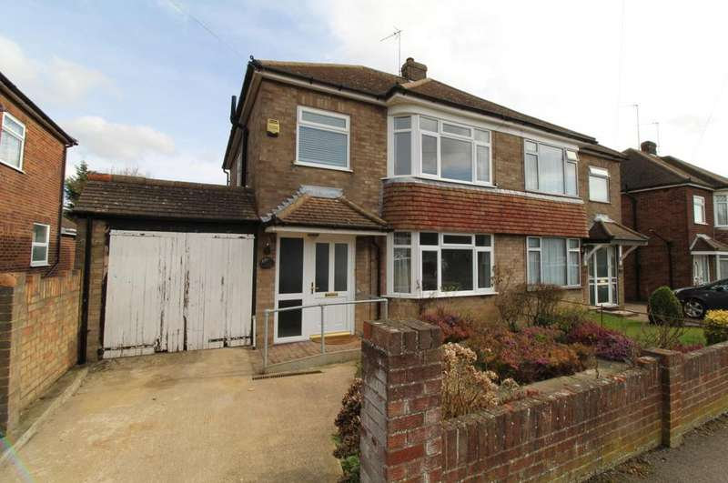 3 Bedrooms Semi Detached House for rent in Leafields, Houghton Regis