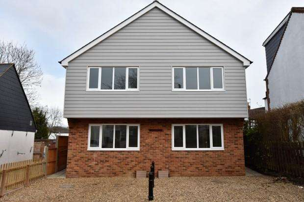 3 Bedrooms Semi Detached House for rent in Rectory Lane, Ashtead, KT21