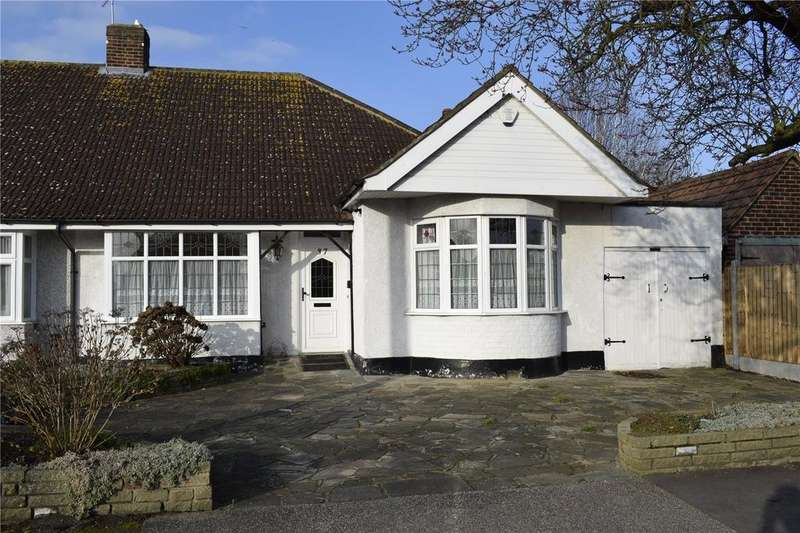 2 Bedrooms Semi Detached Bungalow for sale in Rushmere Avenue, Upminster, RM14