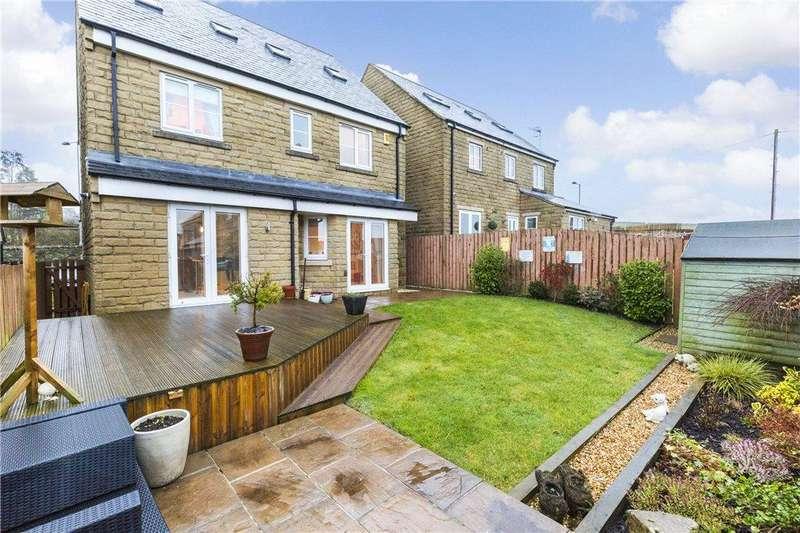 5 Bedrooms Detached House for sale in Birkshead Drive, Wilsden, West Yorkshire