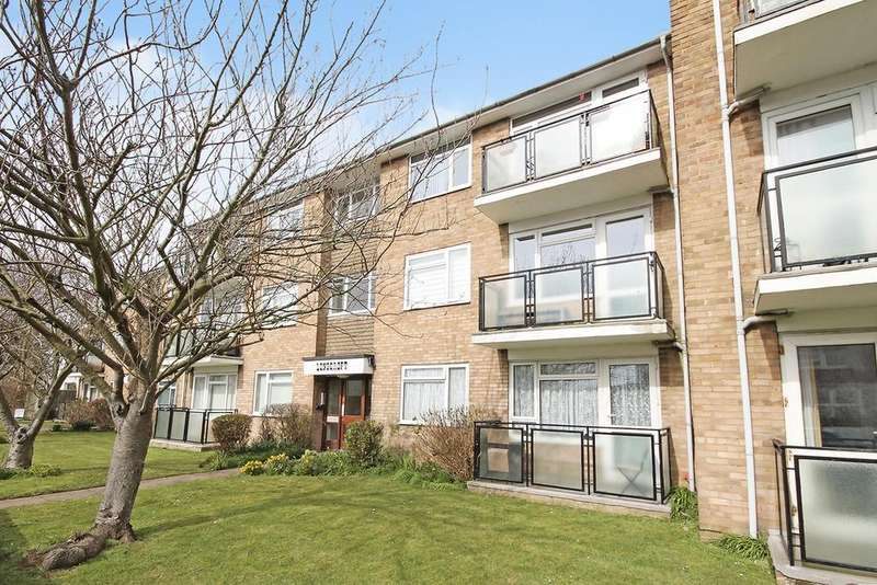 2 Bedrooms Flat for sale in Southdown Road, Shoreham-by-Sea BN43 5AY