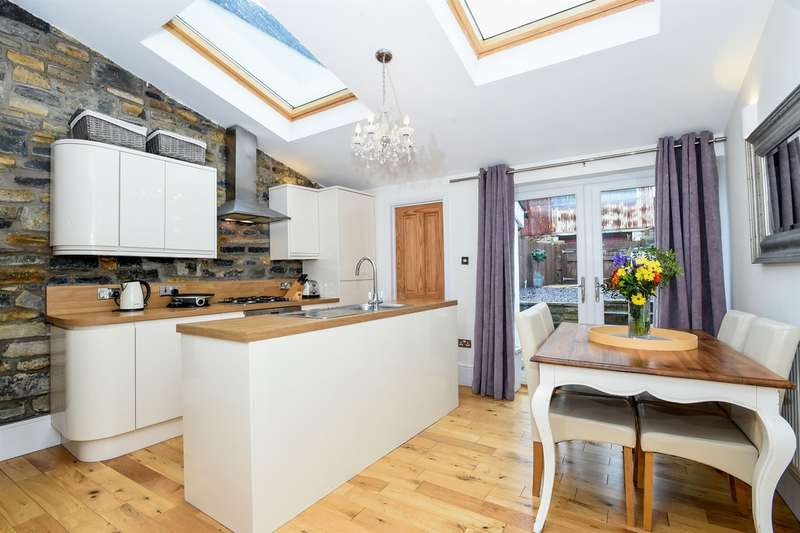 4 Bedrooms Terraced House for sale in High Street, Penarth