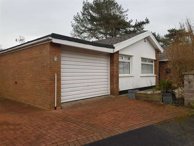 2 Bedrooms Bungalow for rent in Clyne Close, Mayals, SWANSEA