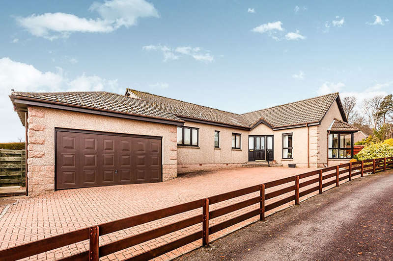 4 Bedrooms Detached Bungalow for sale in Cruickshank Park, Hillside, Montrose, DD10