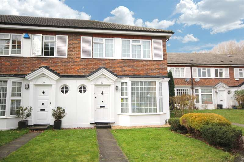 3 Bedrooms House for sale in Chestnut Manor Close, Staines-Upon-Thames, Surrey, TW18