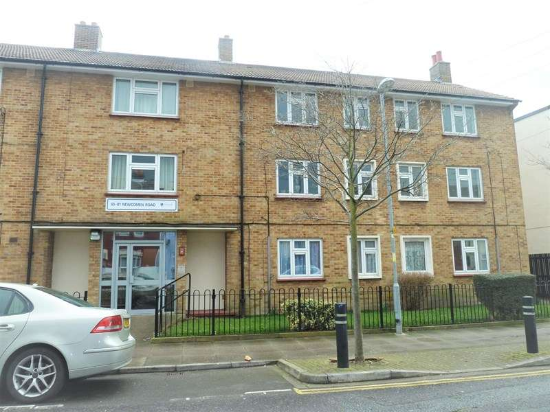 2 Bedrooms Maisonette Flat for sale in Newcomen Road, Portsmouth