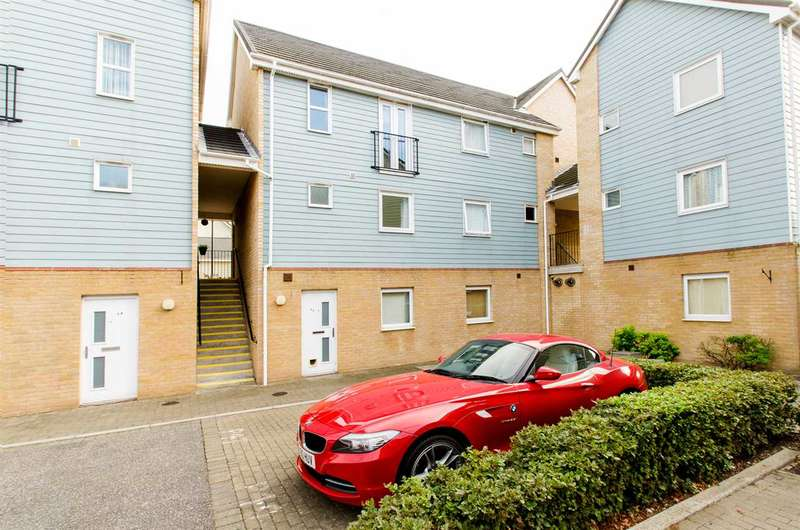 2 Bedrooms Apartment Flat for rent in Onyx Drive, Sittingbourne