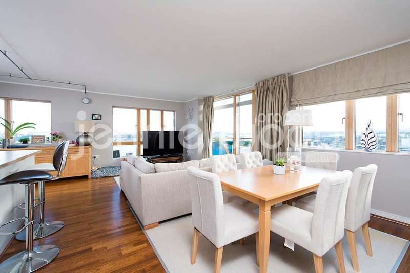 2 Bedrooms Flat for sale in Mudlarks Boulevard, London, SE10 0SZ