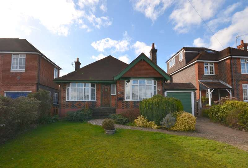 2 Bedrooms Detached Bungalow for sale in Guildford