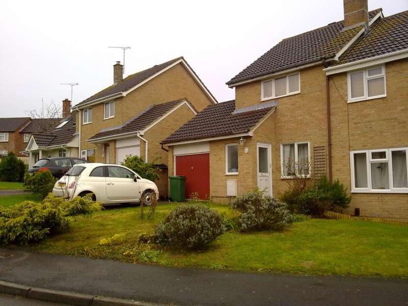 2 Bedrooms Semi Detached House for rent in Middle Ground, Wootton Bassett