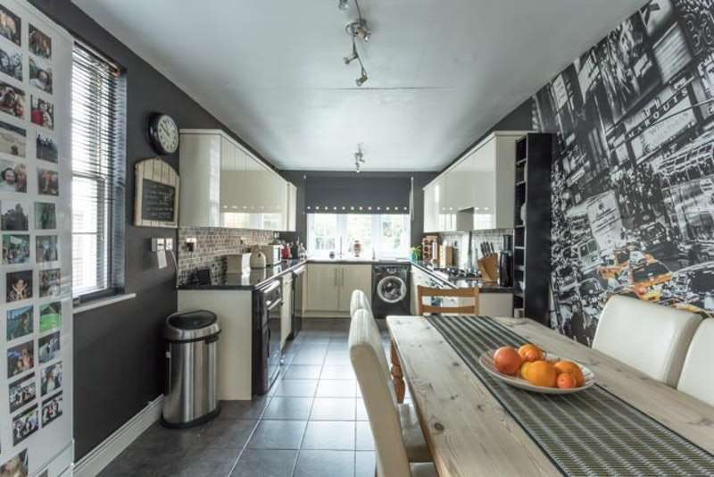 4 Bedrooms Town House for sale in Broad Street, Syston, Leicestershire, LE7