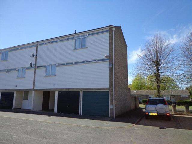 3 Bedrooms Terraced House for sale in St Johns Close, Mildenhall