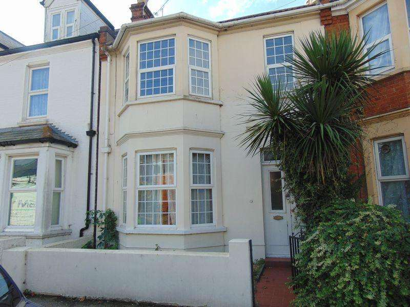 5 Bedrooms Terraced House for sale in West Avenue, Clacton-On-Sea