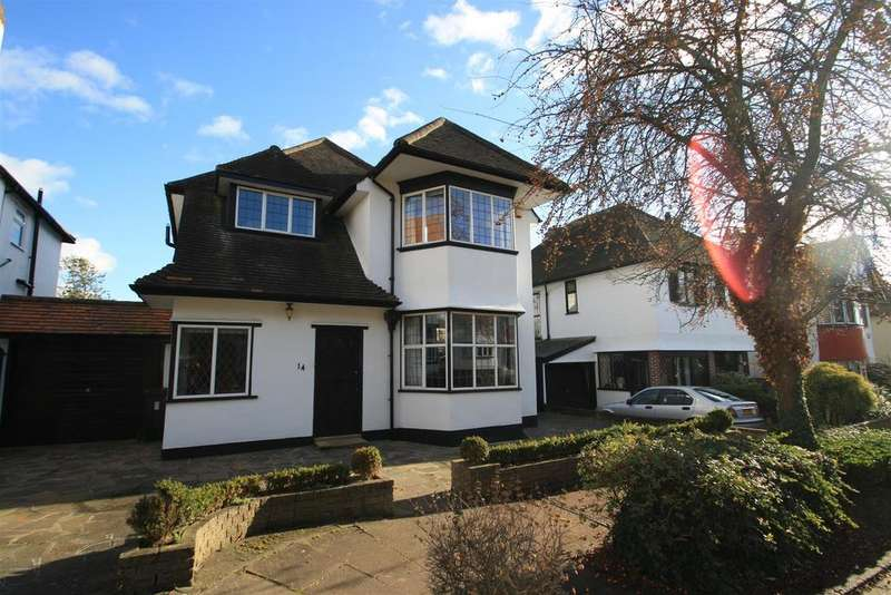 4 Bedrooms Detached House for sale in Meadway, Chalkwell, Westcliff-On-Sea