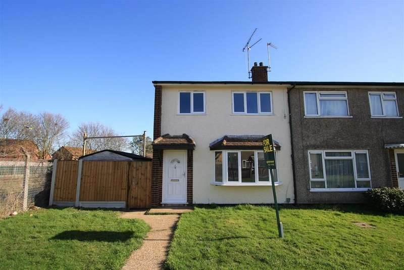 3 Bedrooms House for sale in Saxon Gardens, Shoeburyness, Southend-On-Sea