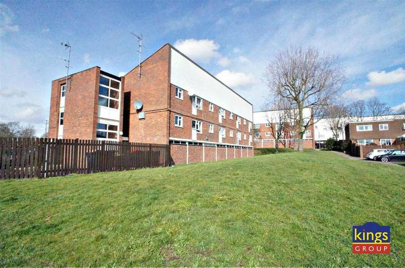 1 Bedroom Flat for sale in Amwell Court, Waltham Abbey
