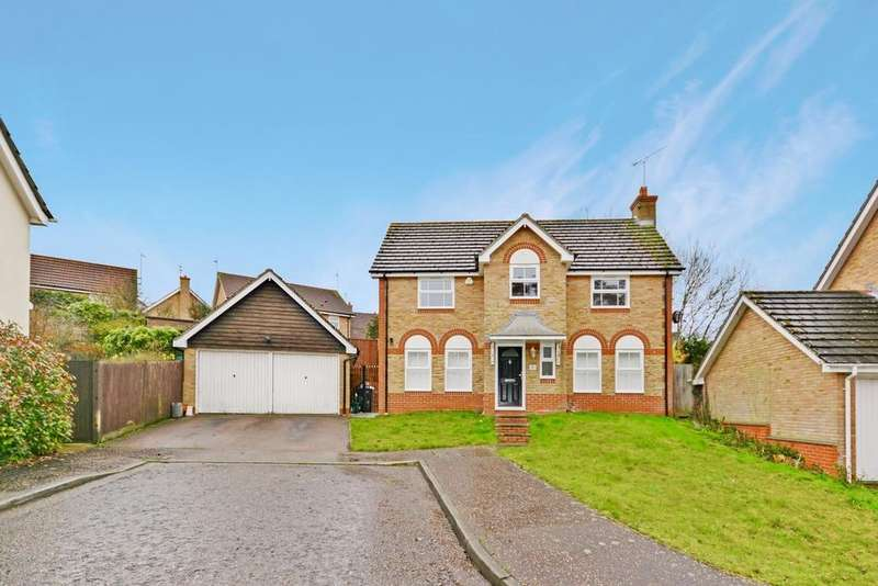 4 Bedrooms Detached House for sale in Guernsey Way, Braintree, Essex, CM7